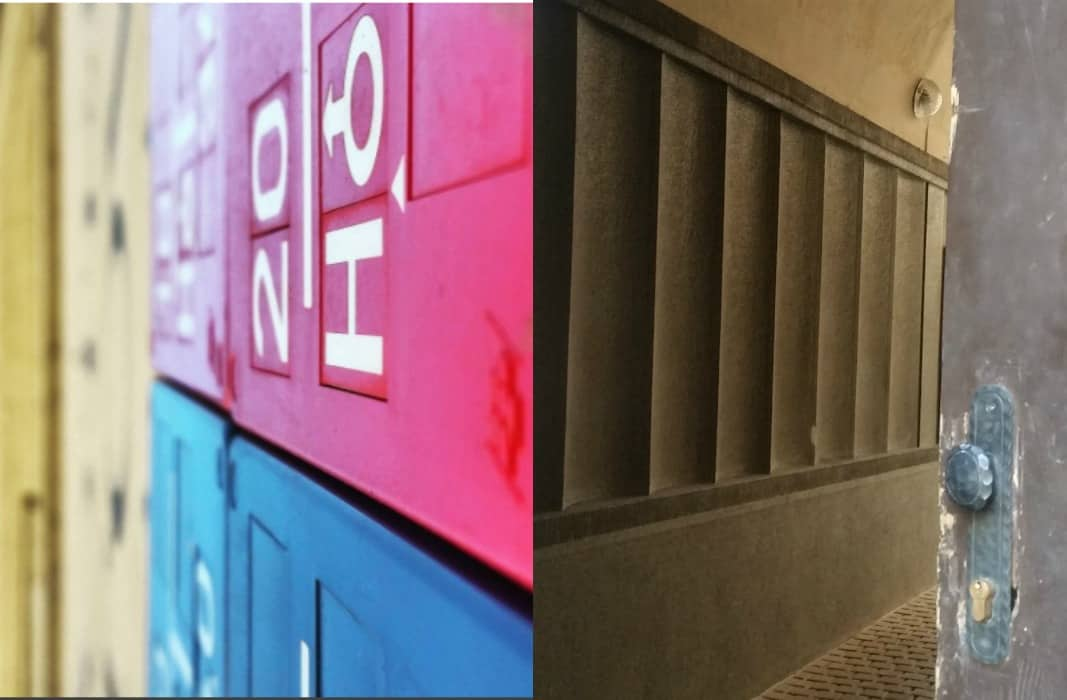 דלתות חדר מדרגות שלטים של בתים בפראג, שלט על בניין צילום תמרי סלונים ליבס מתוך הפוסט גלגול בבלוג של תמרי סלונים ליבס tamariandme.com